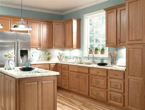 kitchen paint colors oak cabinets 25 best ideas about oak kitchens on pinterest oak