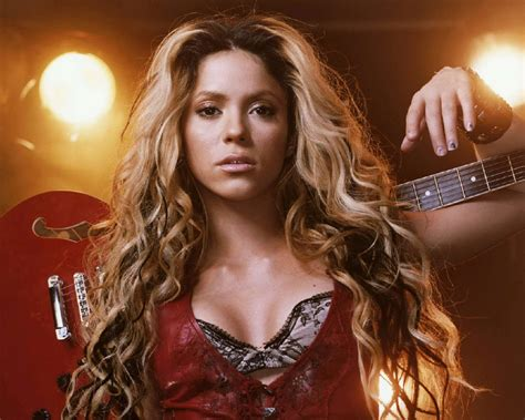 biography shakira megatopstars shakira biography discography