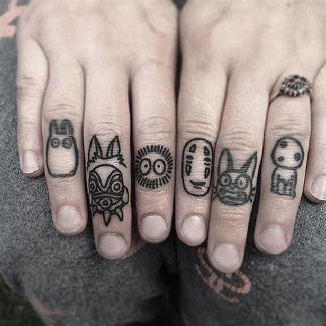 tattoo down finger die probleme mit den finger tattoos tattoo spirit