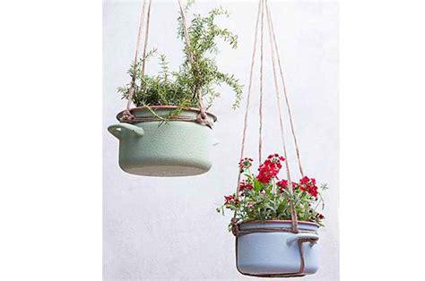 decorar cocina reciclando c 243 mo decorar tu casa reciclando ollas y sartenes viejos