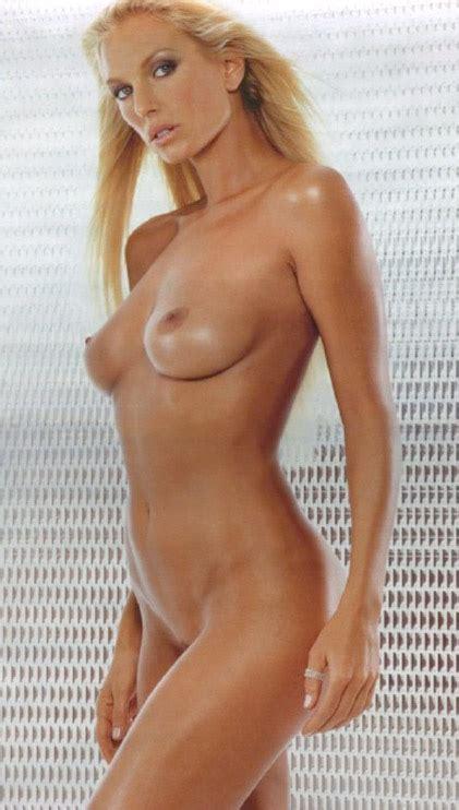 Shocking Celebrity Pics Of Annalise Braakensiek Photo