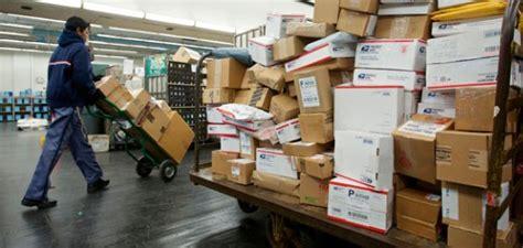 Post Office Help Desk Dysfunctional U S Postal Service Loses 5 5 Billion