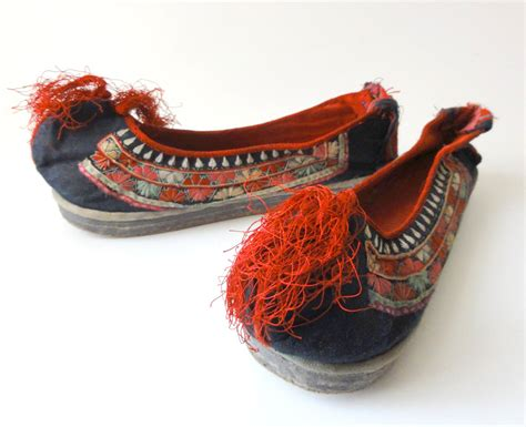 retro slippers vintage embroidered slippers shoes size small
