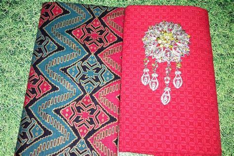 B021 Kain Batik Prada Rang Rang Songket Bisa Set Dengan Kain Embos kain batik pekalongan batik prada motif rang rang kombinasi embos ka3 10 batik pekalongan by