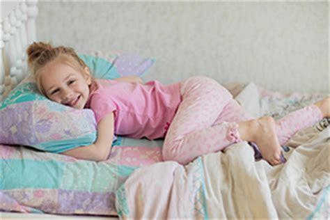 pipi a letto adulti consigli per genitori con bambini che fanno la pip 236 a letto