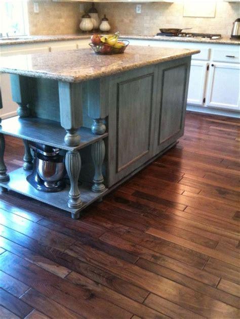 Engineered Hardwood   Handscraped Mixed Widths Collection