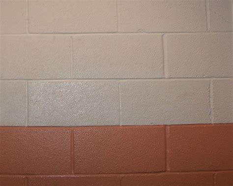 painting concrete block exterior walls file painted cinder block wall jpg