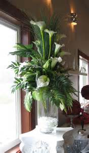 Green Floor Vase 25 Best Ideas About Tall Flower Arrangements On Pinterest