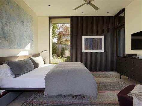bedroom wall decor ideas  liven   boring walls contemporist