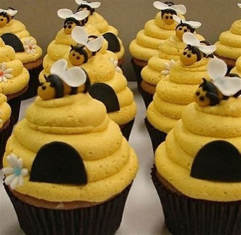 honey bee and hive themed cupcakes cupcakes