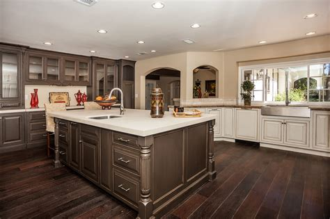 kitchen cabinets with chocolate glaze cabinets with chocolate glaze scifihits