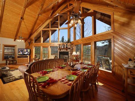 vacation rental cabin bungalow sleeps   bedrooms