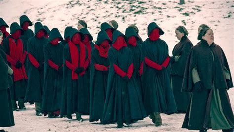 libro the handmaids tale york the handmaid s tale season 2 episode 7 say her name the new york times