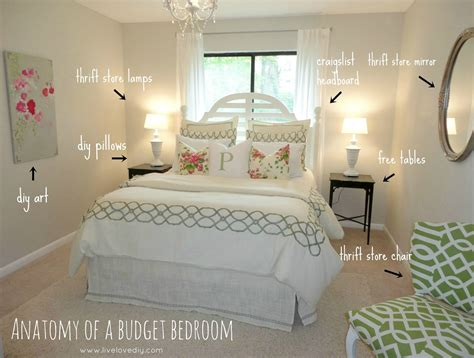 ideas to decorate a bedroom livelovediy decorating bedrooms with secondhand finds