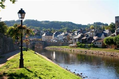 montignac, dordogne a charming village and home to the