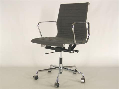 Chaise De Bureau Eames The Vitra Ea 108 Aluminium Chair Chaise Bureau Design