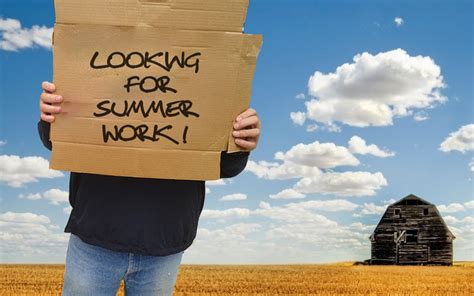 what are some of the best times to snag a seasonal job trc