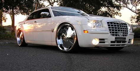 wedding car geelong chrysler 300c limo hire geelong chauffeur driven