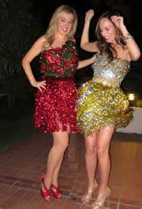 Wear to an anything but clothes christmas party tinsel fring skirt diy