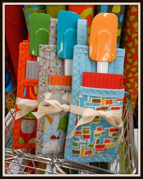 gift inspiration day ten folded pot holder quilt