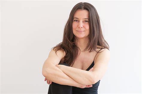 tarifas y horarios clases de yoga elena ferraris el yoga y la mujer beneficios para cada etapa de la vida