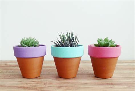 vasi di terracotta colorati vasi terracotta materiali per il giardino modelli e