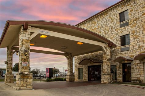 comfort suites seaworld san antonio comfort suites near seaworld in san antonio hotel rates