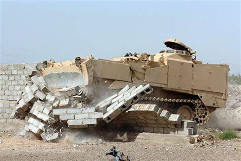 Hummer Husky Army m9 armored combat earthmover
