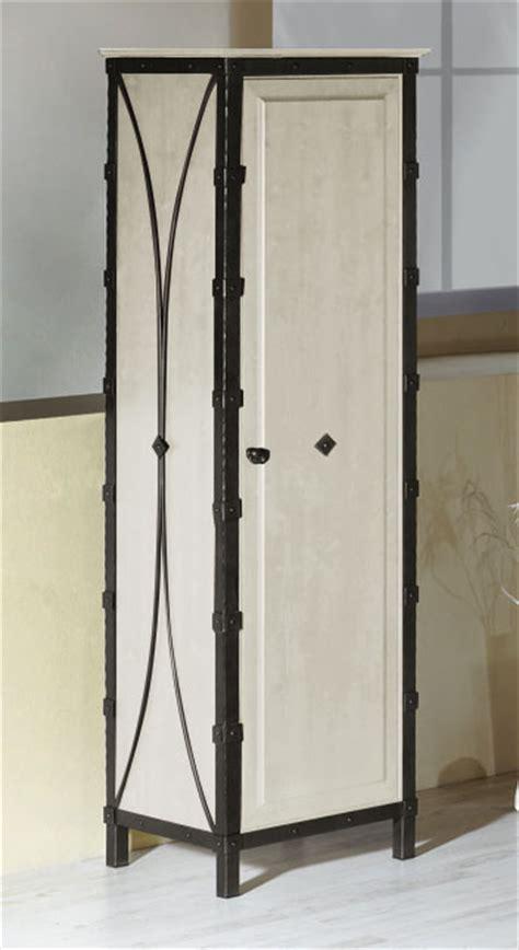 schmaler kleiderschrank kleiderschrank aus metall eiche mit dreht 252 ren arica