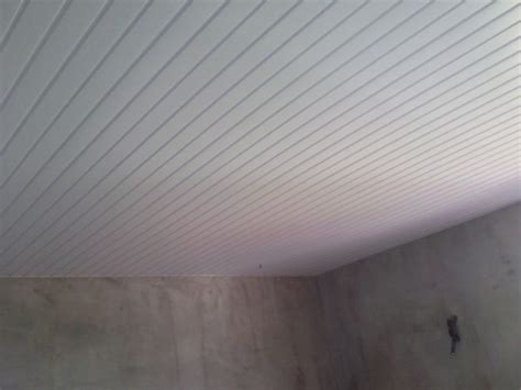 lambris plafond cuisine superbe lambris pvc plafond cuisine 4 les concepteurs