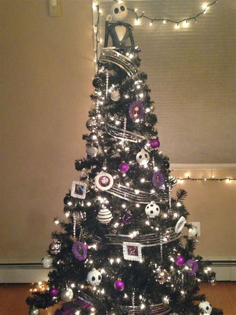 nightmare before xmas tree ideas nightmare before tree holidays tree and skellington