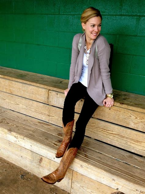 how to wear cowboy boots for what to wear cowboy boots for 3 best ways