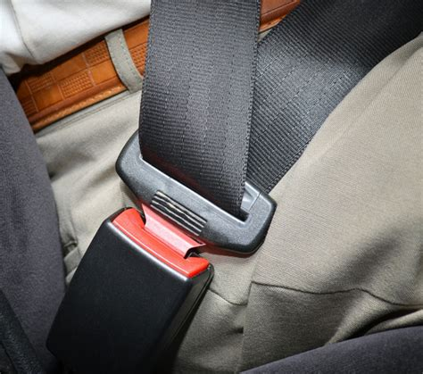 how to use seat belt seat belt safety belt use statistics statistic brain