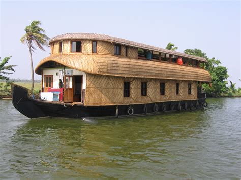 a house boat whats on my mind