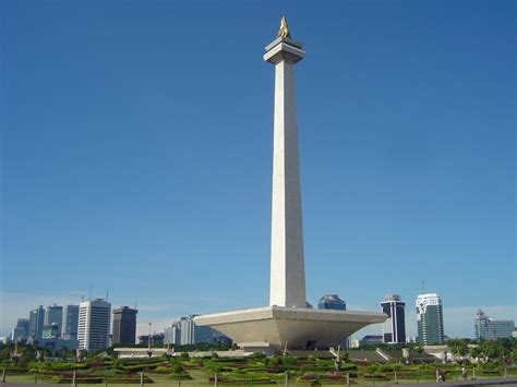 Monumen Nasional Monumen Keagungan Bangsa Indonesia sejarah singkat monumen nasional bensradio 106 2 fm jakarta