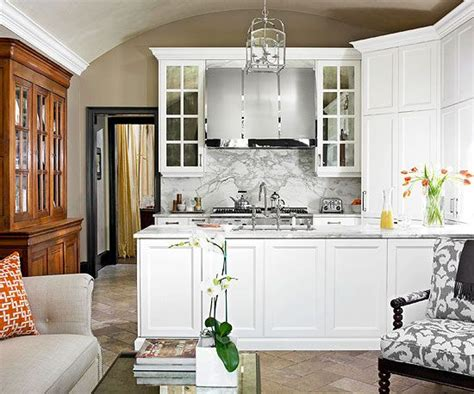 what colors make a kitchen look bigger how to make a small kitchen look bigger