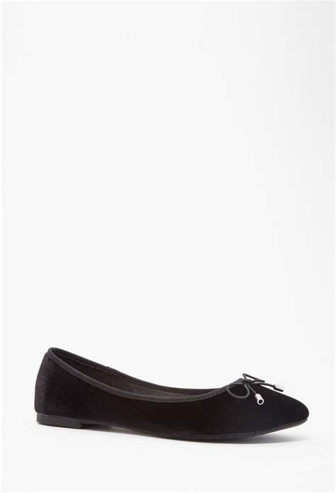 forever 21 flat shoes lyst forever 21 ballet flats in black