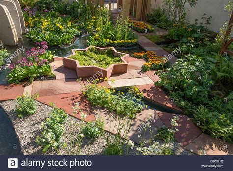rock garden show rhs chelsea flower show sponsored by m g himalayan rock
