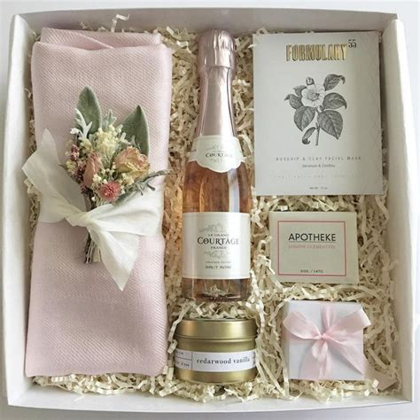 Wedding Gift Ideas From Bridesmaid by 17 Best Ideas About Bridesmaid Boxes On