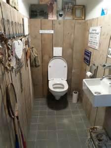 Toilet In Steigerhouten Muren In Toilet Interieur Inrichting