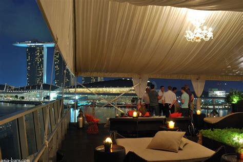 top rooftop bars singapore discover the rooftop bar at the fullerton bay hotel singapore