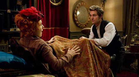 scopare sul divano voc 234 conhece a origem da palavra quot histeria quot e o filme