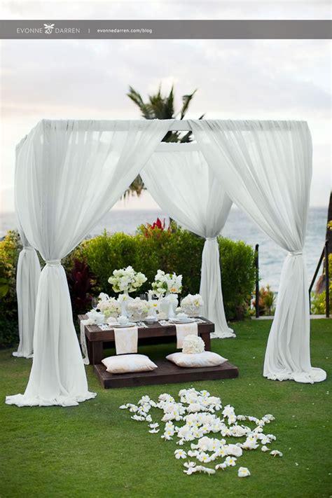 pure white wedding decor ideas  romantic wedding