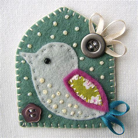 fabric crafts folksy bird fabric brooch craftjuice handmade