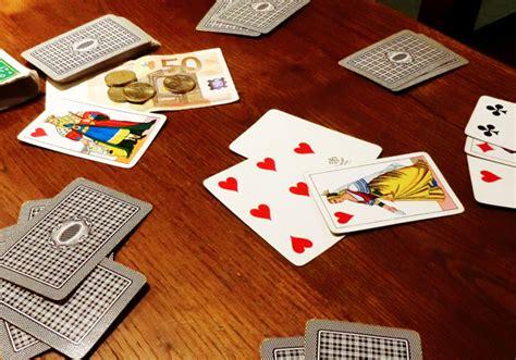 gioco di carte bestia scarta il fante su un piatto da 3 partita a bestia