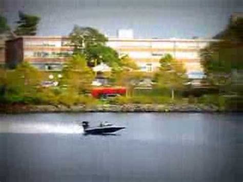 fast outboard boats youtube wicked fast little race boat flying on the merrimack river