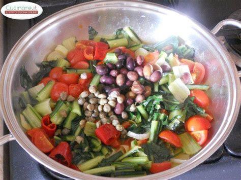 cicoria cucinare cicoria stufata con peperoncino olive e capperi cucinare it