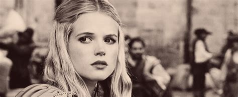 endless love der ganze film gabriella wilde as constance the three musketeers 2011