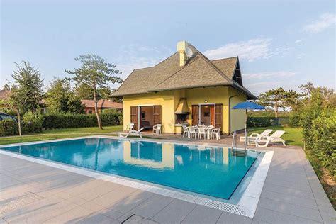 cerca appartamenti vacanze appartamenti e vacanza isola di albarella novasol