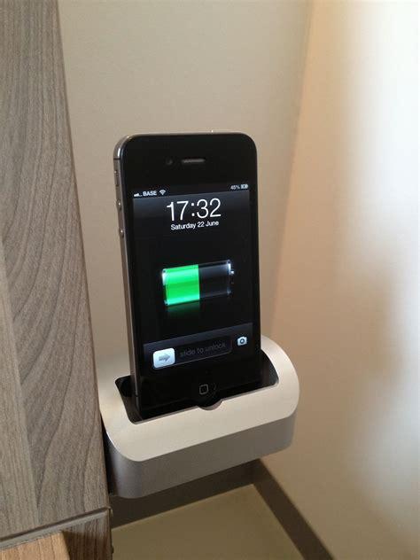 iphone dock bed wim leers